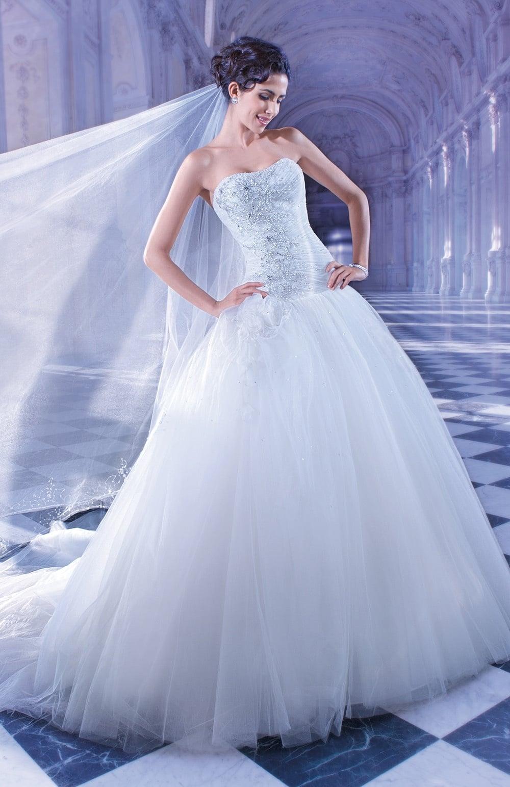 Robe de mariée Modèle 557 – 599 €