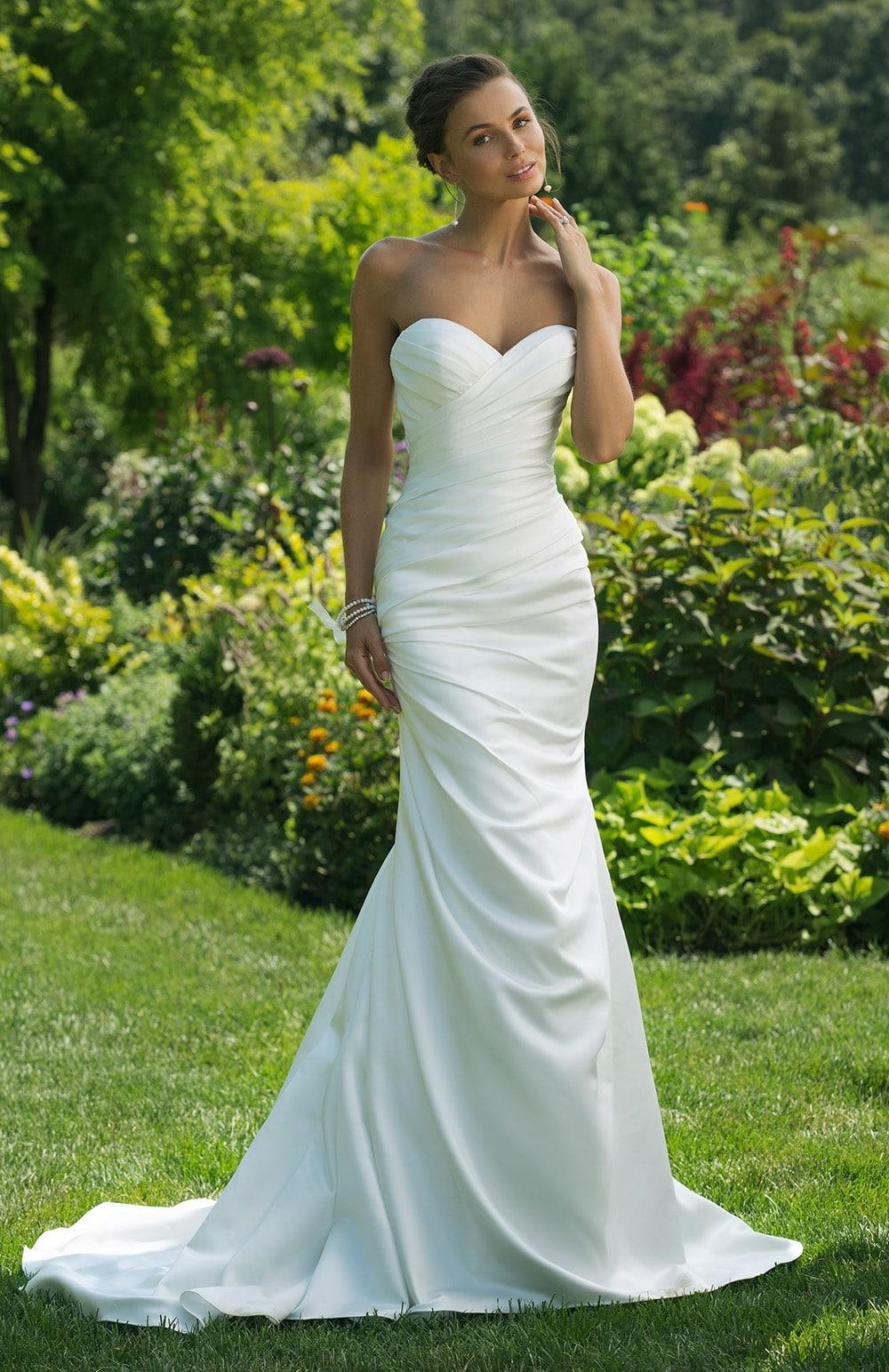 Robe de mariée Modèle 11016 – Terry